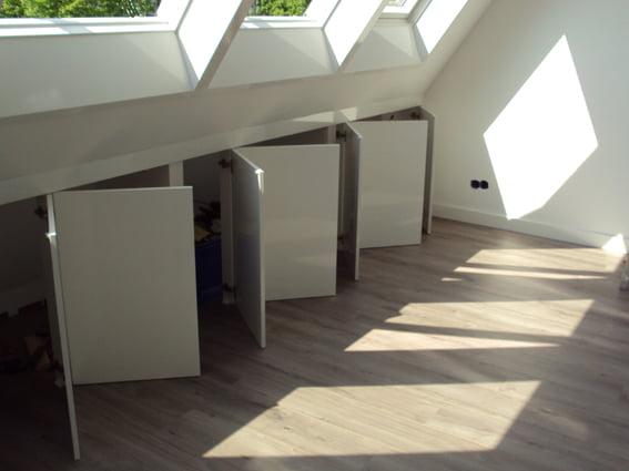 Slaapkamer Met Schuine Wanden : Inrichting slaapkamer met schuine ...