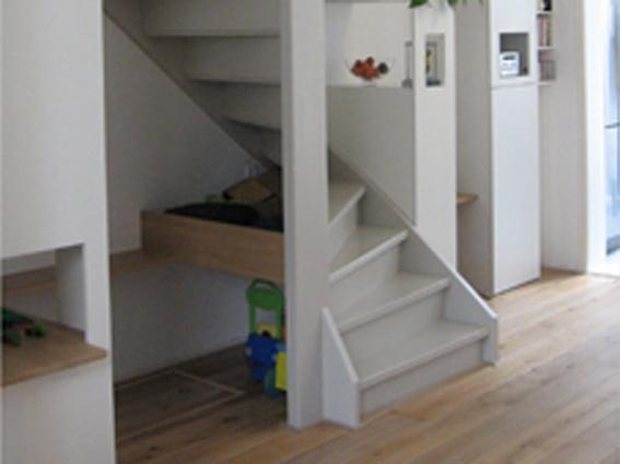 Inrichten Speelhoek Woonkamer : trapkast met speelhoek functie ...
